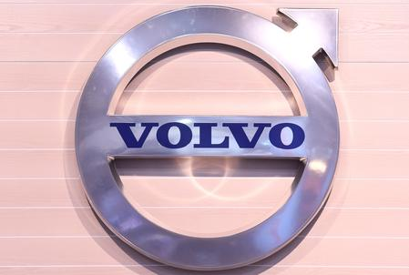 UPDATE 2-AB Volvo truck orders tumble as markets hit brakes in Q3