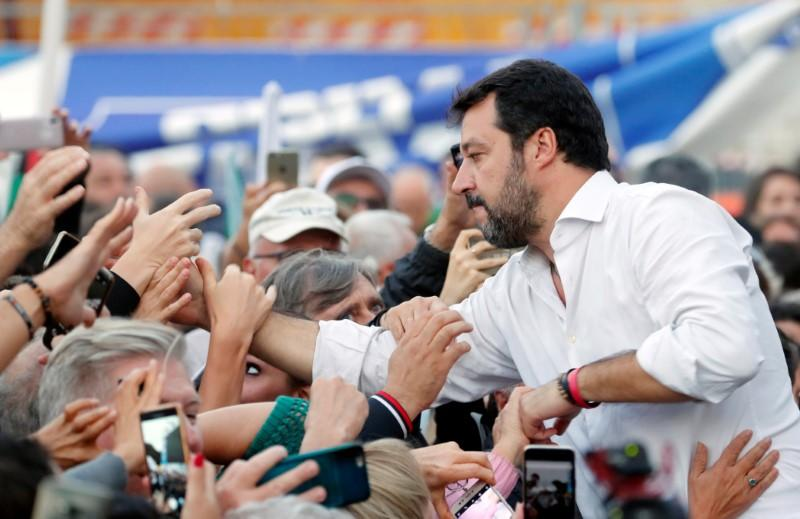 Salvini's right rallies in Rome to protest against Italy government