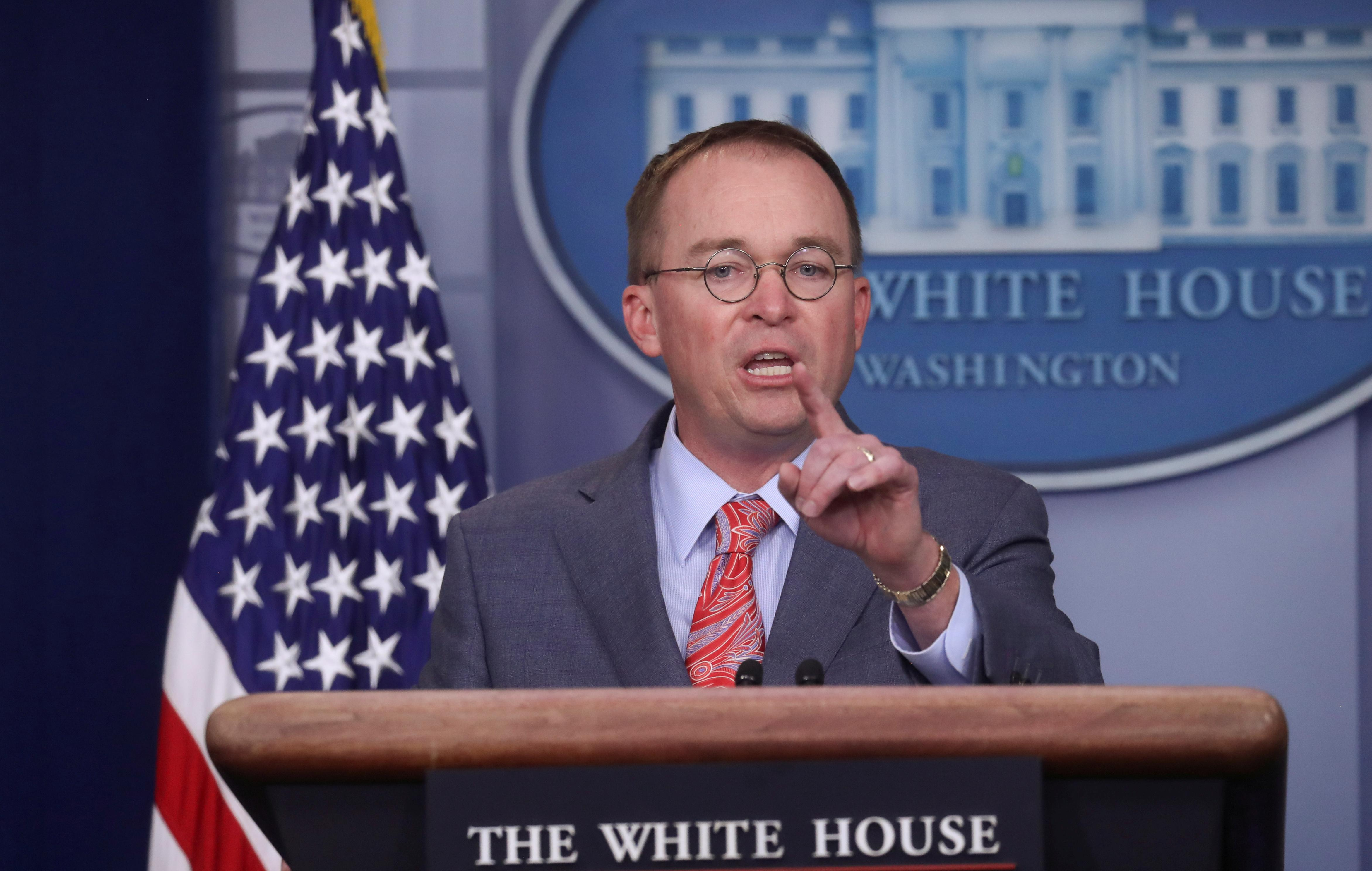 """White House's Mulvaney did not mull quitting over """"quid pro quo"""" flap"""