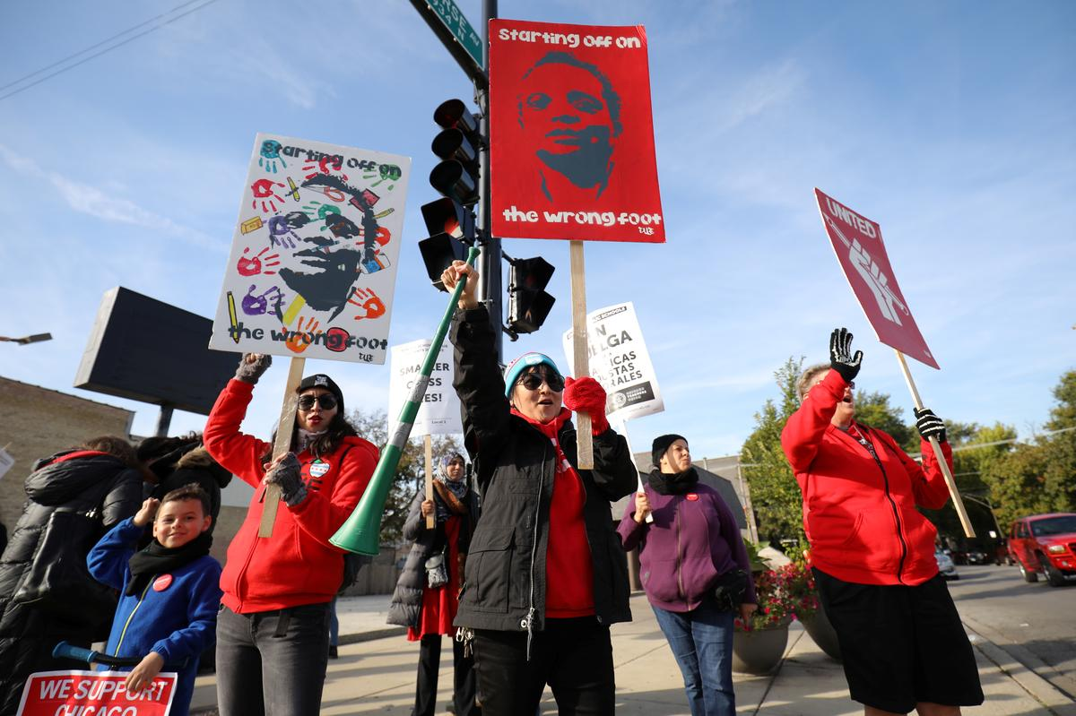 'Hopes dashed': Chicago teachers strike to enter fourth school day