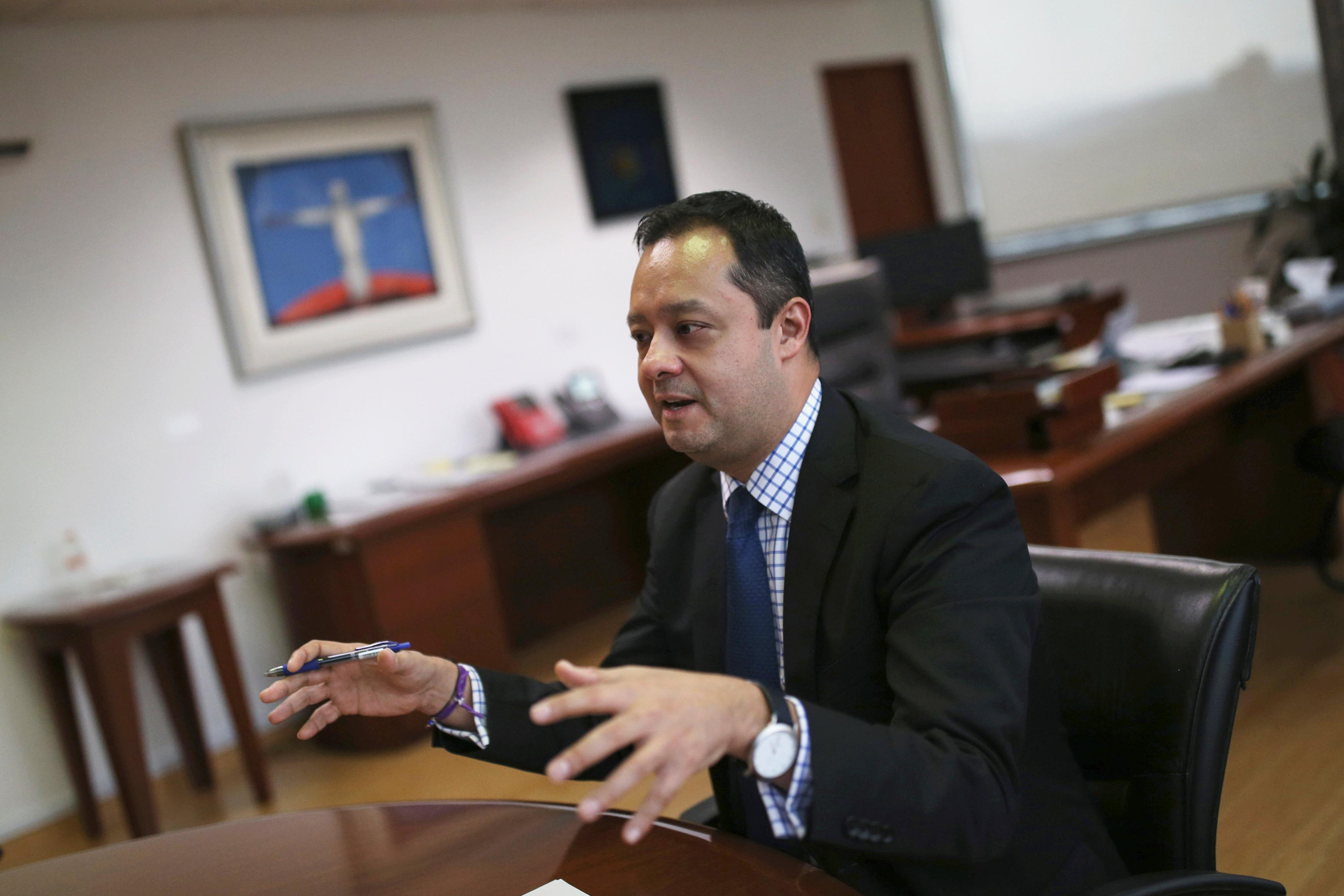 Exclusive: Mexico taps banks, oil major as it nears end of 2020 oil...