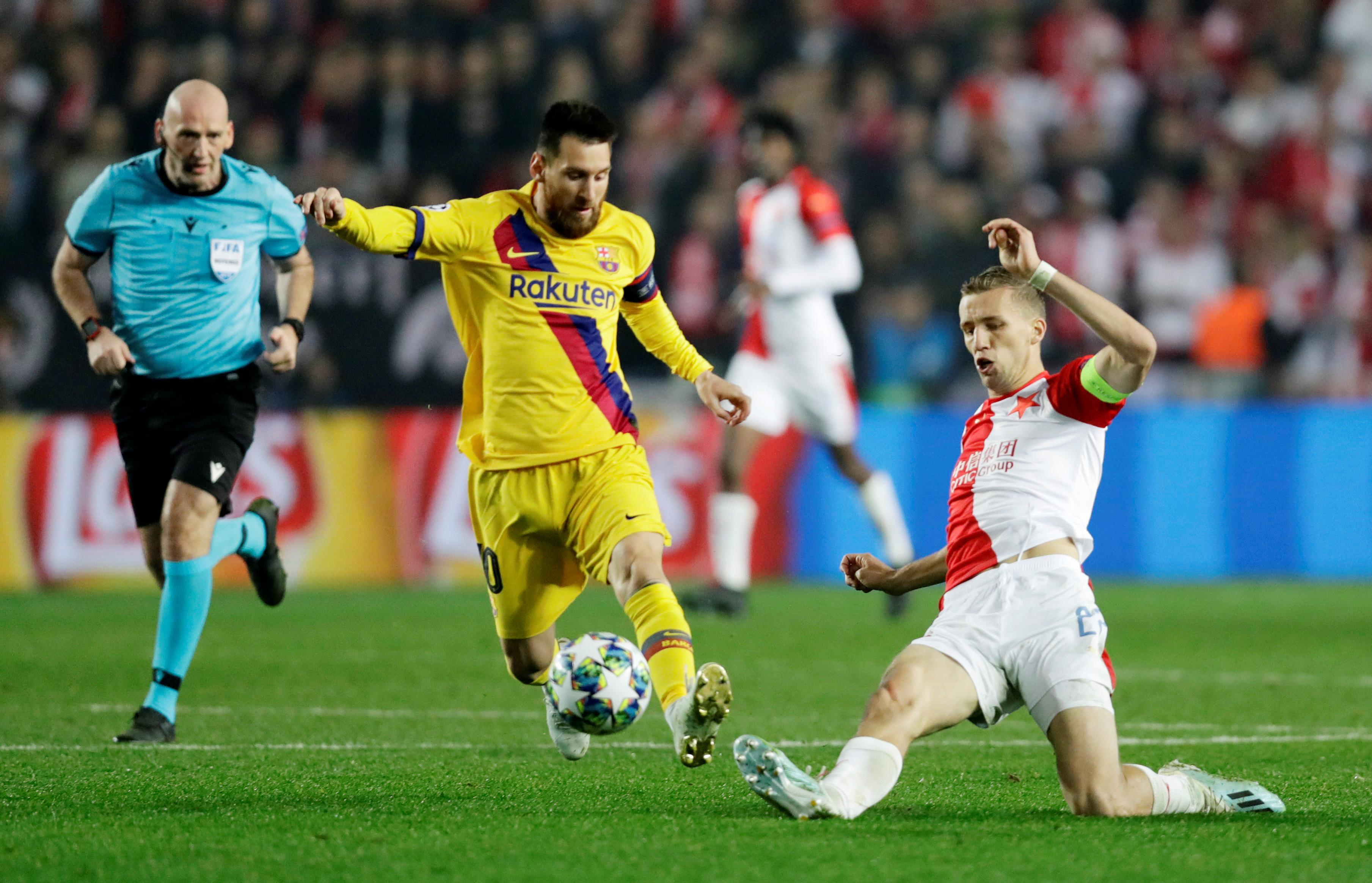 Messi leads Barca past Slavia Prague 2-1 in Champions League
