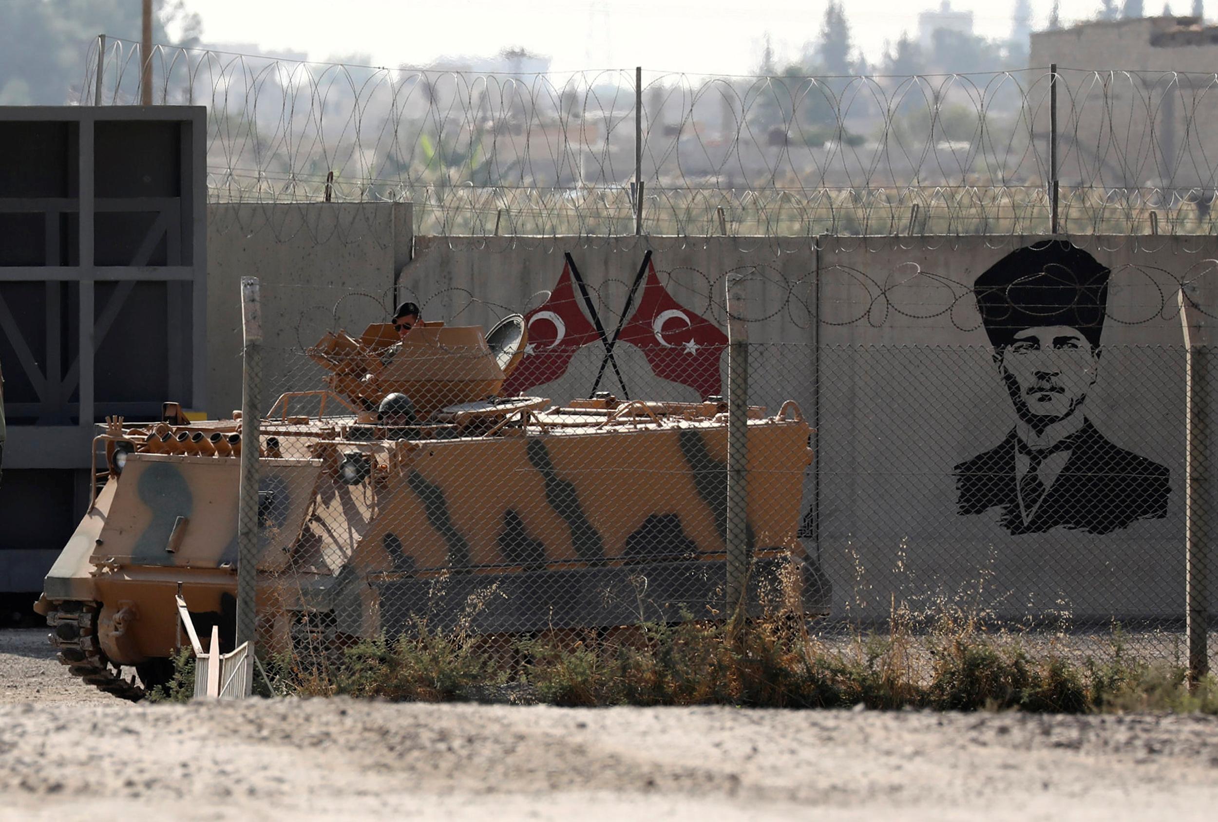 La Russie dit que les forces kurdes syriennes se retirent de la frontière turque