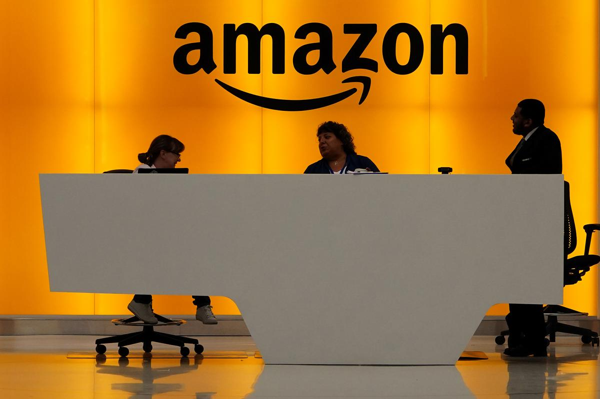 U.S. Senators ask FTC to probe Amazon over Capital One hack