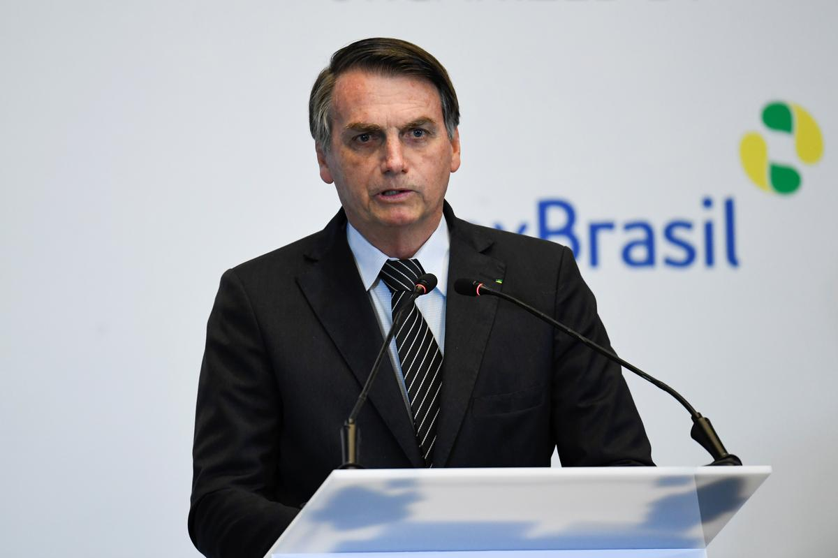 Brazil's Bolsonaro aims to patch up with Arab nations on Gulf trip
