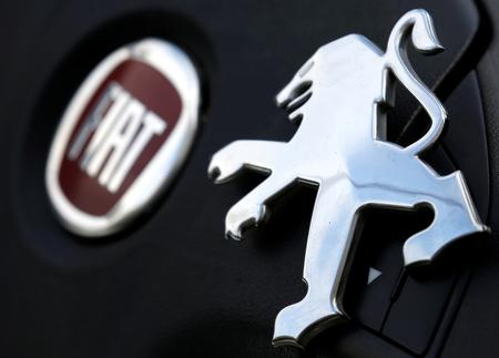 UPDATE 1-Fiat Chrysler and Peugeot join forces to create world's No.4 carmaker
