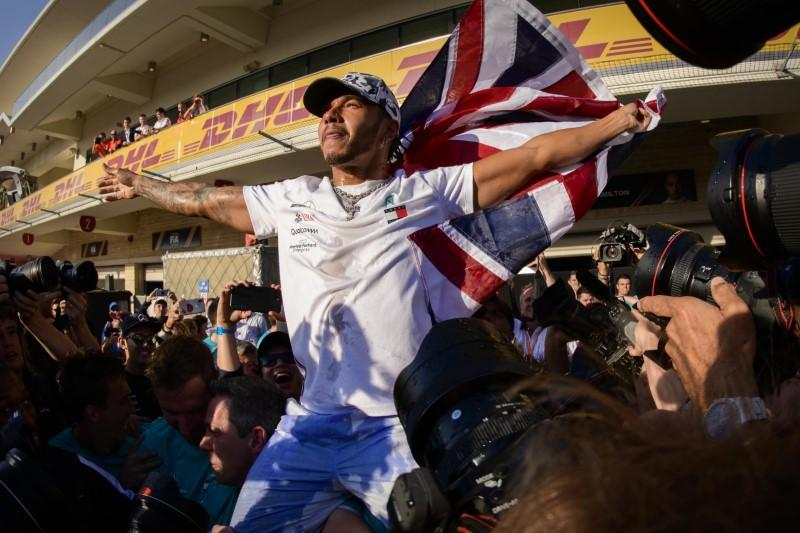 In moment of triumph, Hamilton thinks of loss