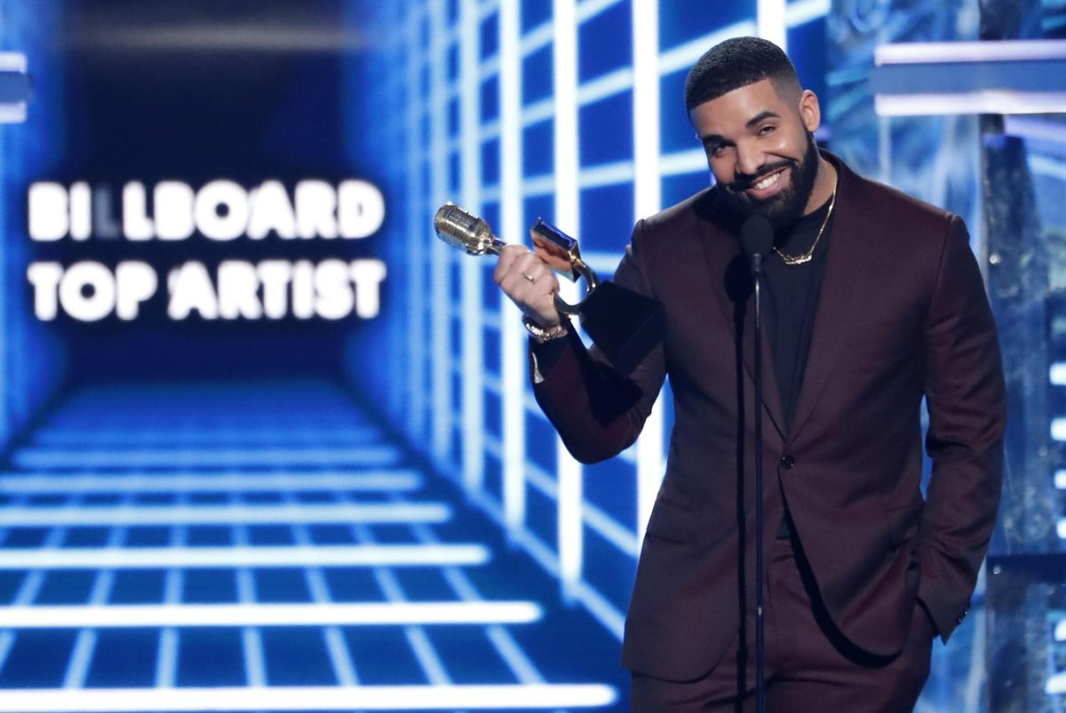 Drake signs up for Toronto marijuana challenge thumbnail