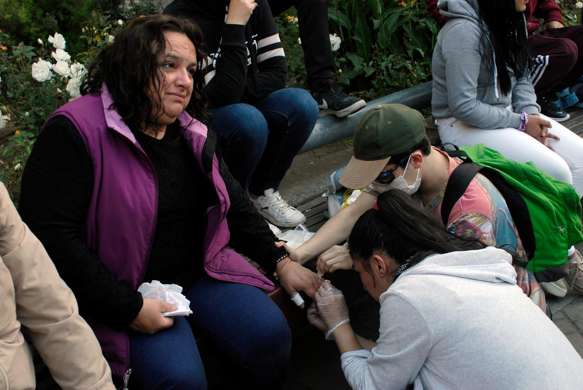 Chilean docs hit the streets amid violent protests thumbnail
