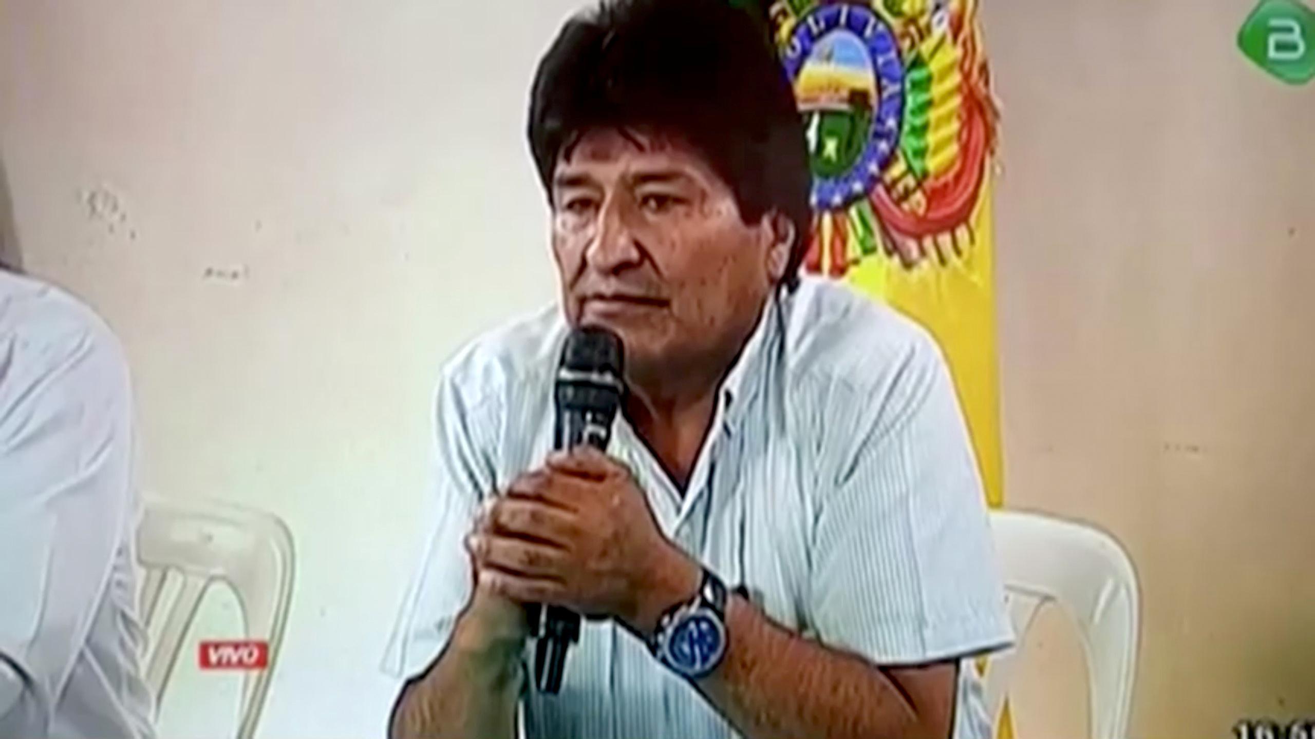 Evo Morales quitte la Bolivie pour prendre l'asile au Mexique