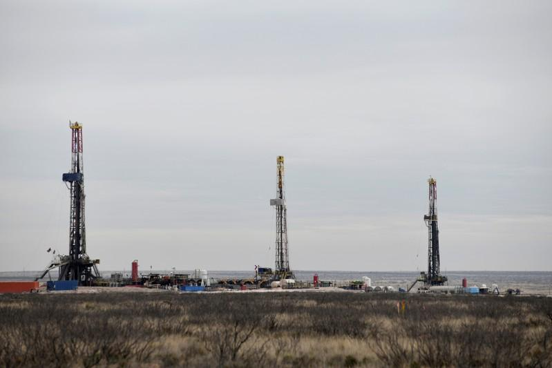 Drilling boom adds stress to U.S. western water supplies: report