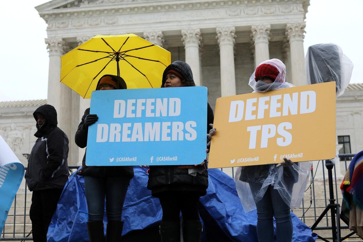 Conservative Supreme Court justices lean toward Trump on ending immigrant program