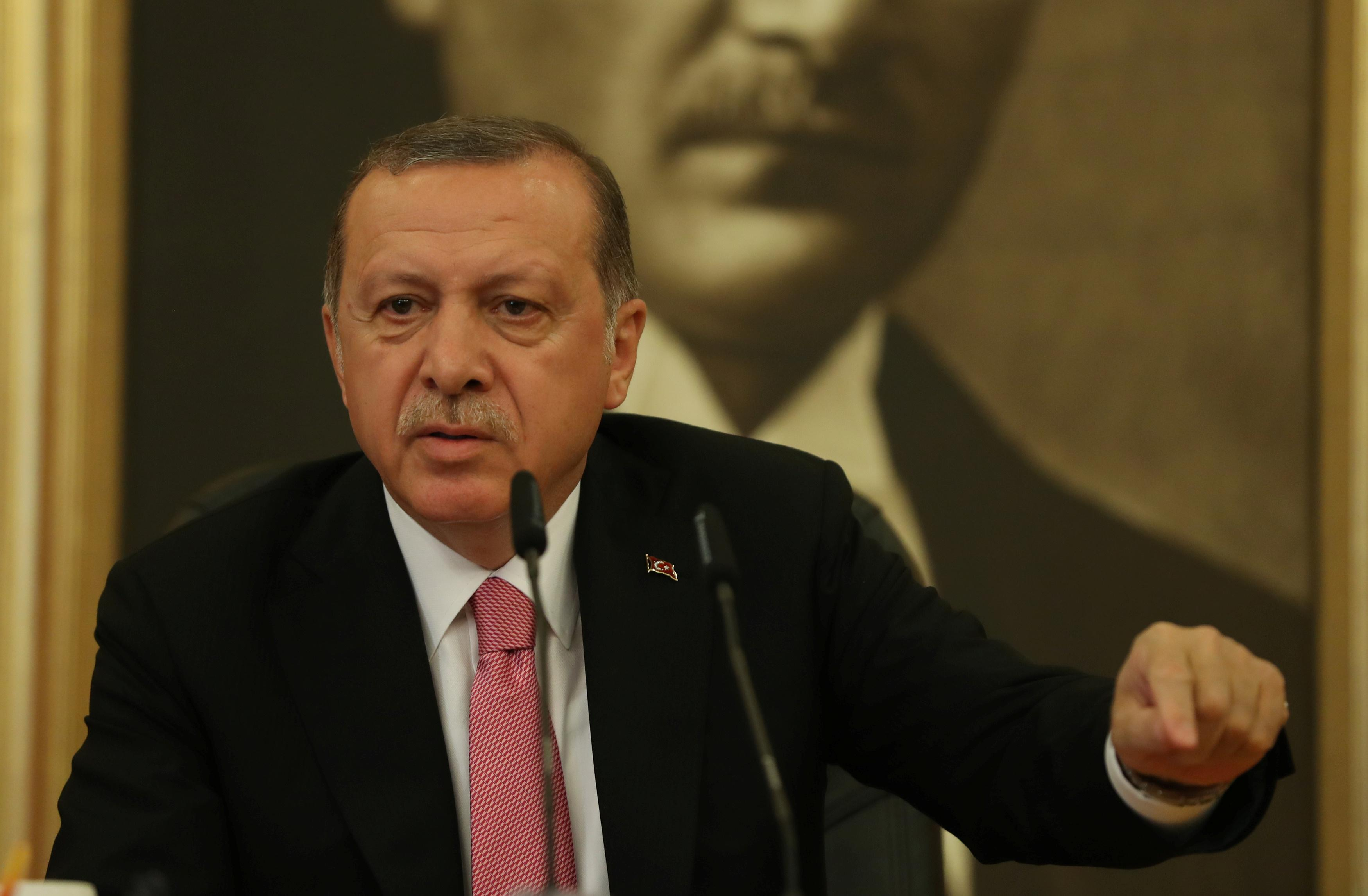 U.S. wrong to push Turkey to drop Russian defenses: Erdogan