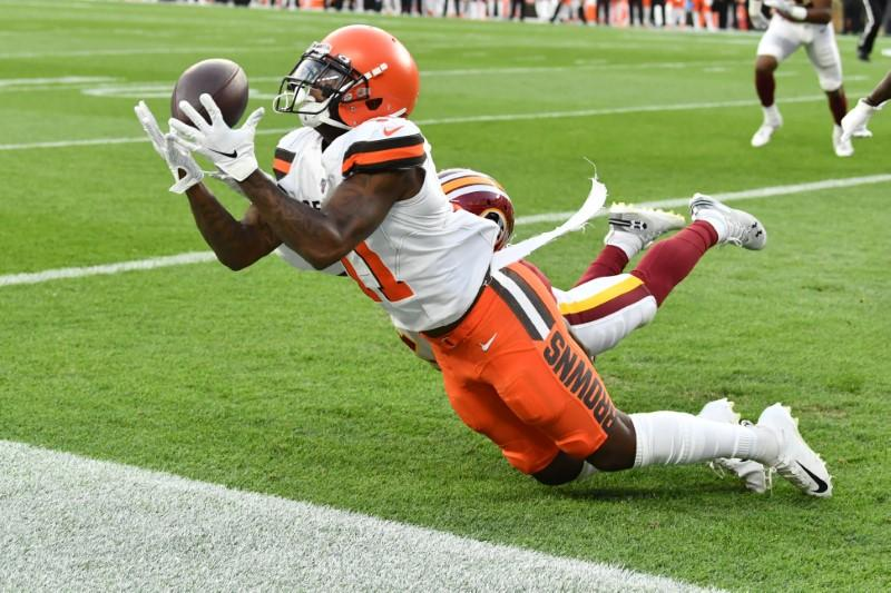 Browns waive WR Callaway amid suspension report