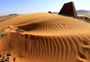Sudan looks to pyramids to attract tourism