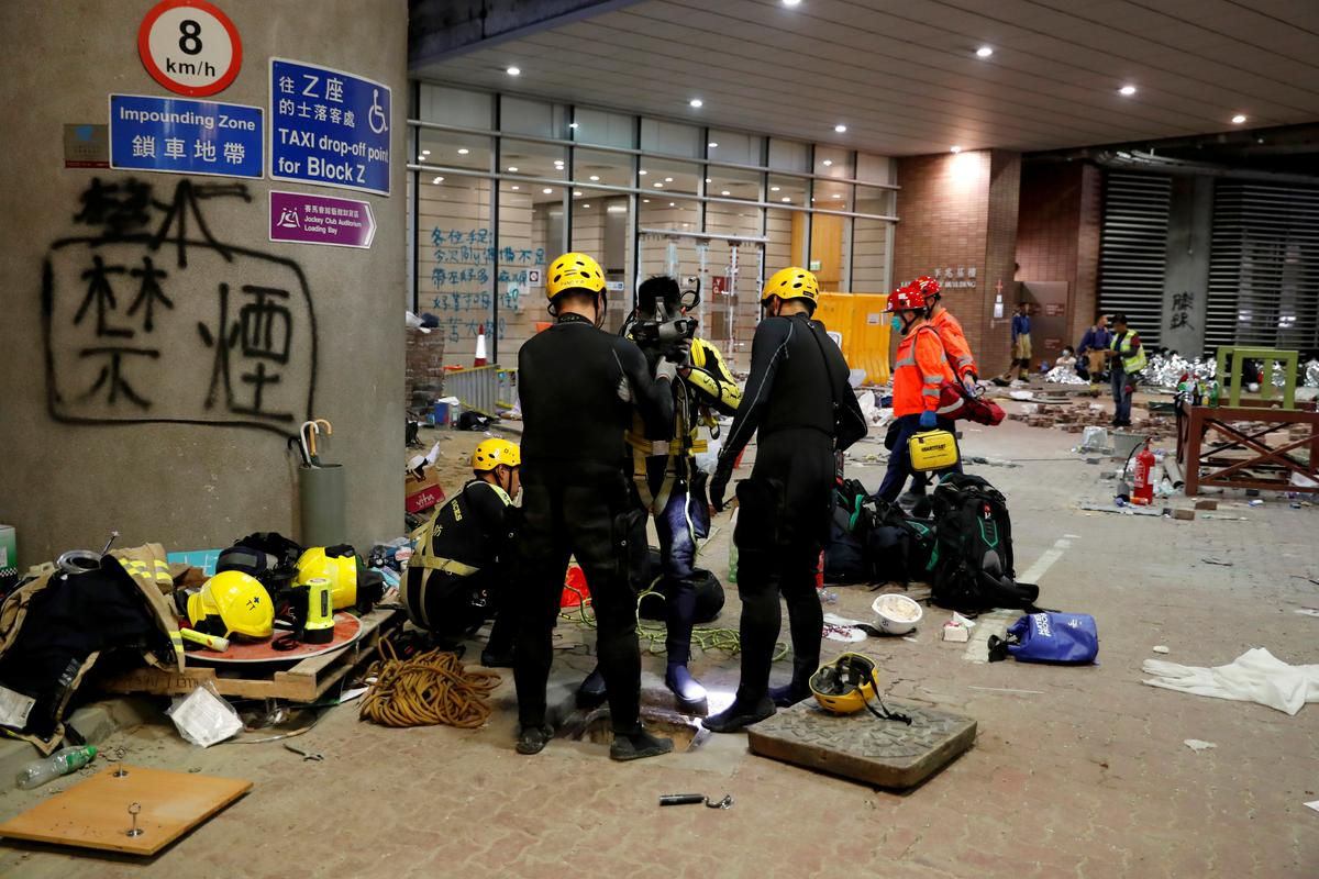 Highlights: Protesters in a Hong Kong university search for escape route