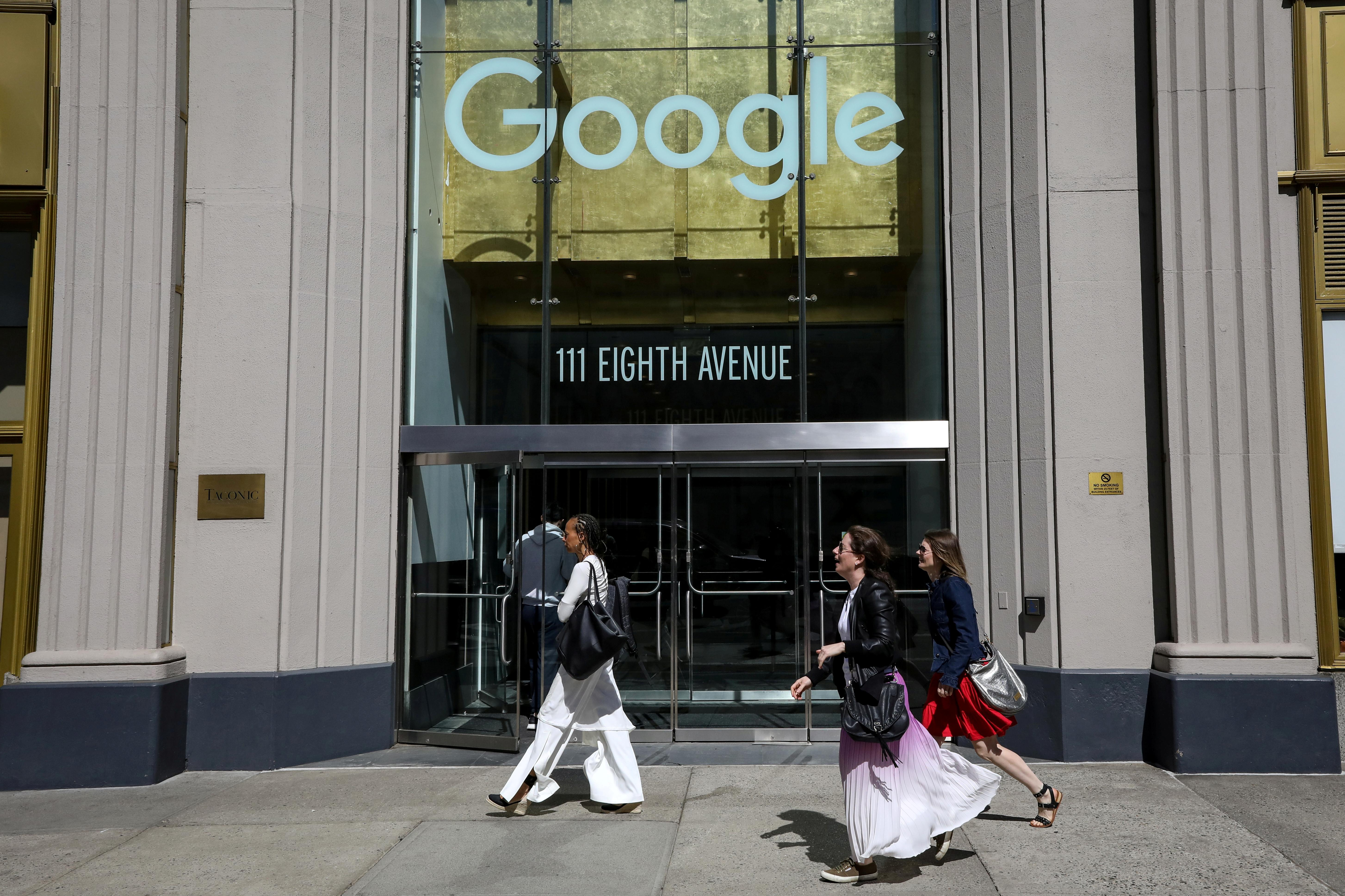 U.S. lawmakers question Google about collection of health records