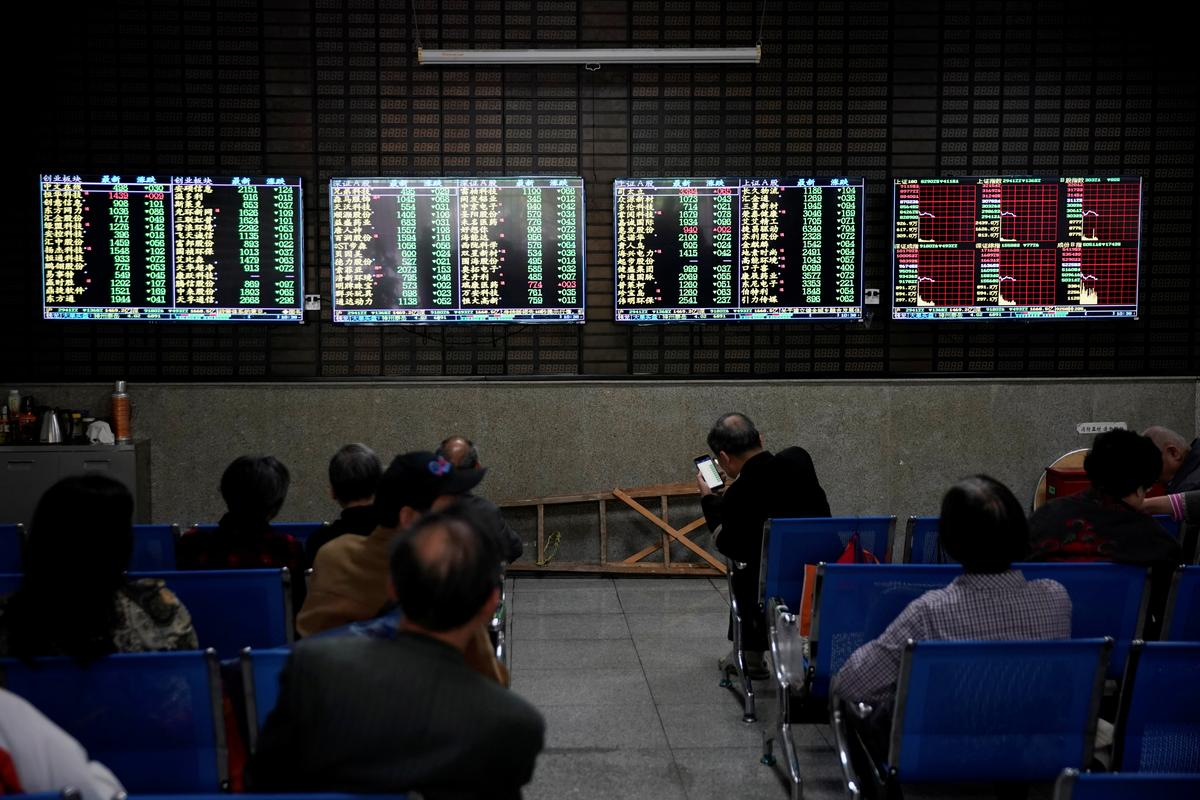 Asian stocks rise as trade talks gain momentum