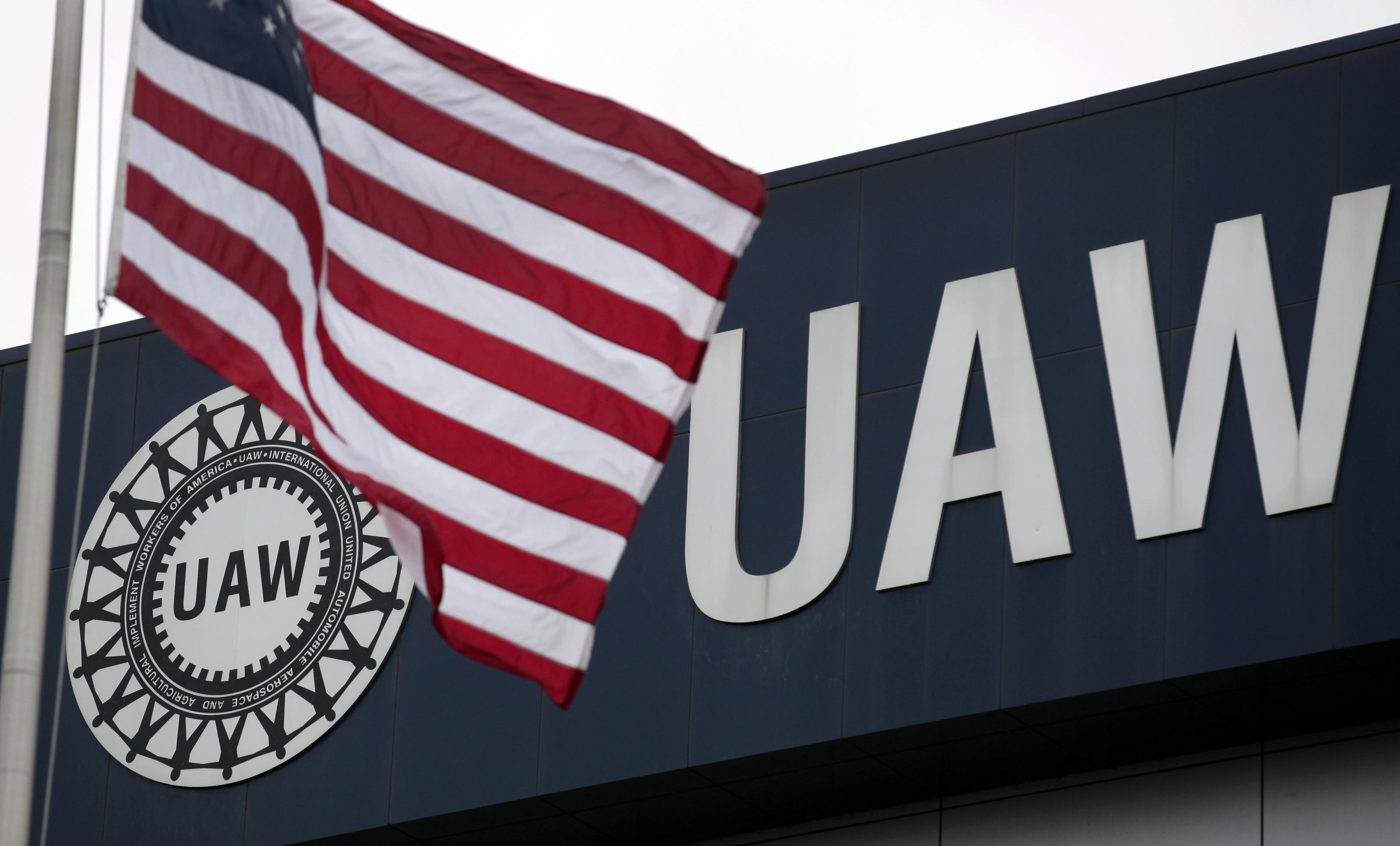 U.S. Attorney says government can still seek to take auto workers...