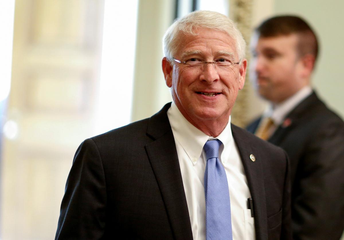 Republican privacy bill would set U.S. rules, pre-empt California: senator