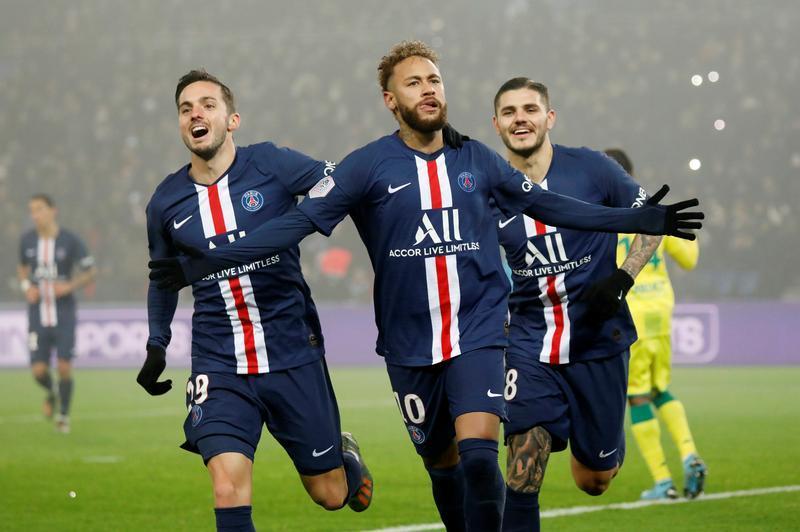 Le PSG conforte sa place de leader contre Nantes - Reuters