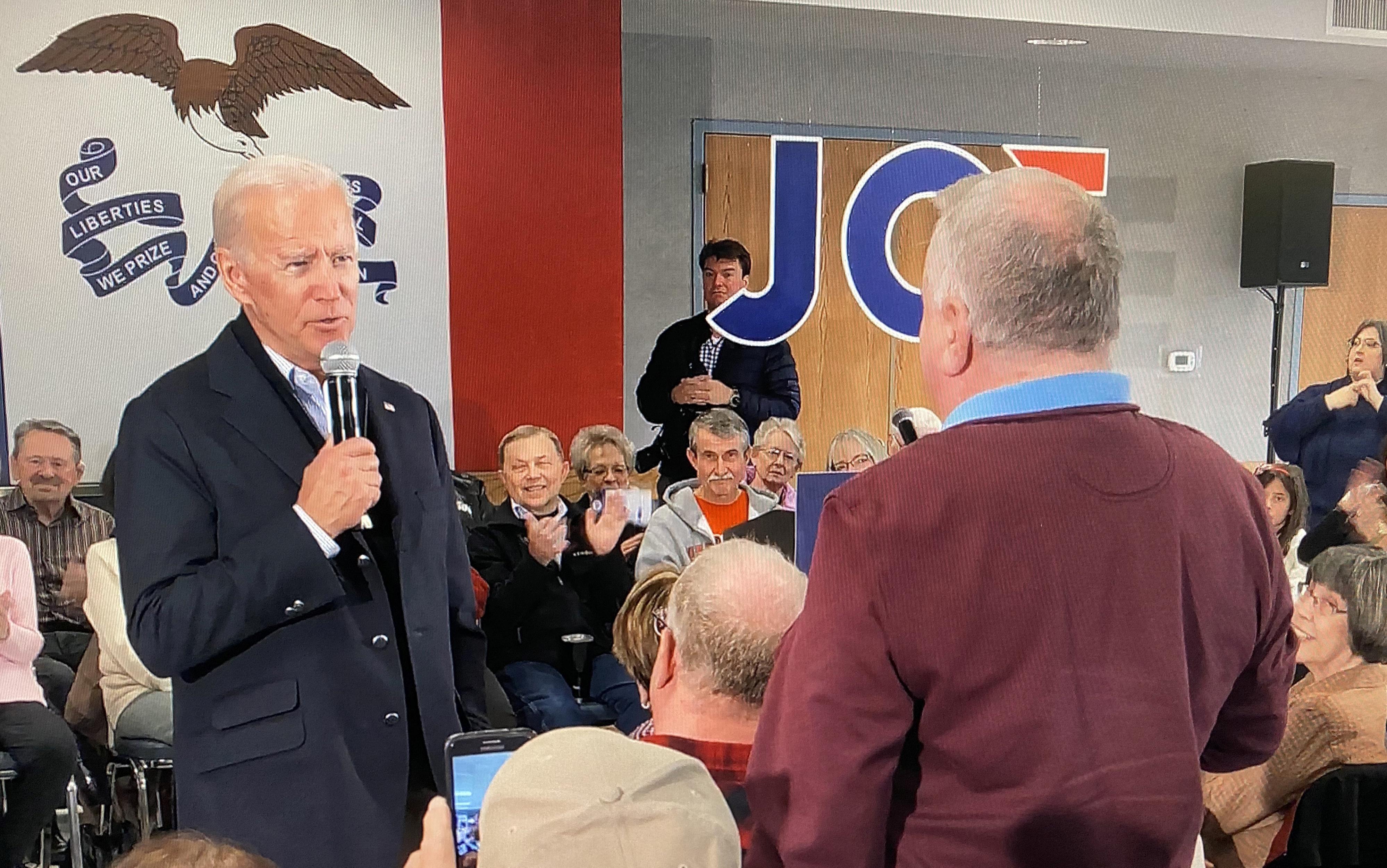 Biden trouve enfin le buzz sur les réseaux sociaux avec une vidéo virale de Trump