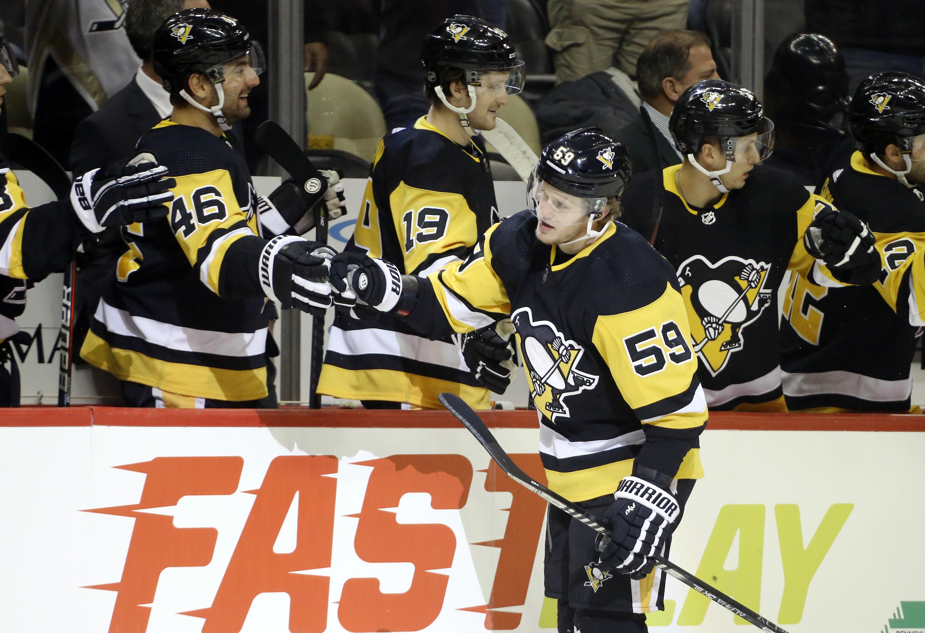 Big second period gives Habs 4-1 win over Penguins