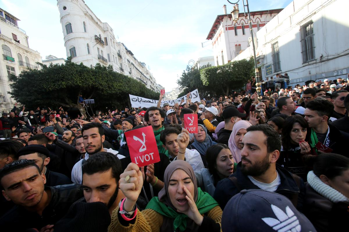 Algerian protesters demand Thursday's election be canceled