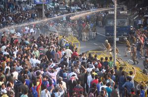 Protests erupt as India passes citizenship law