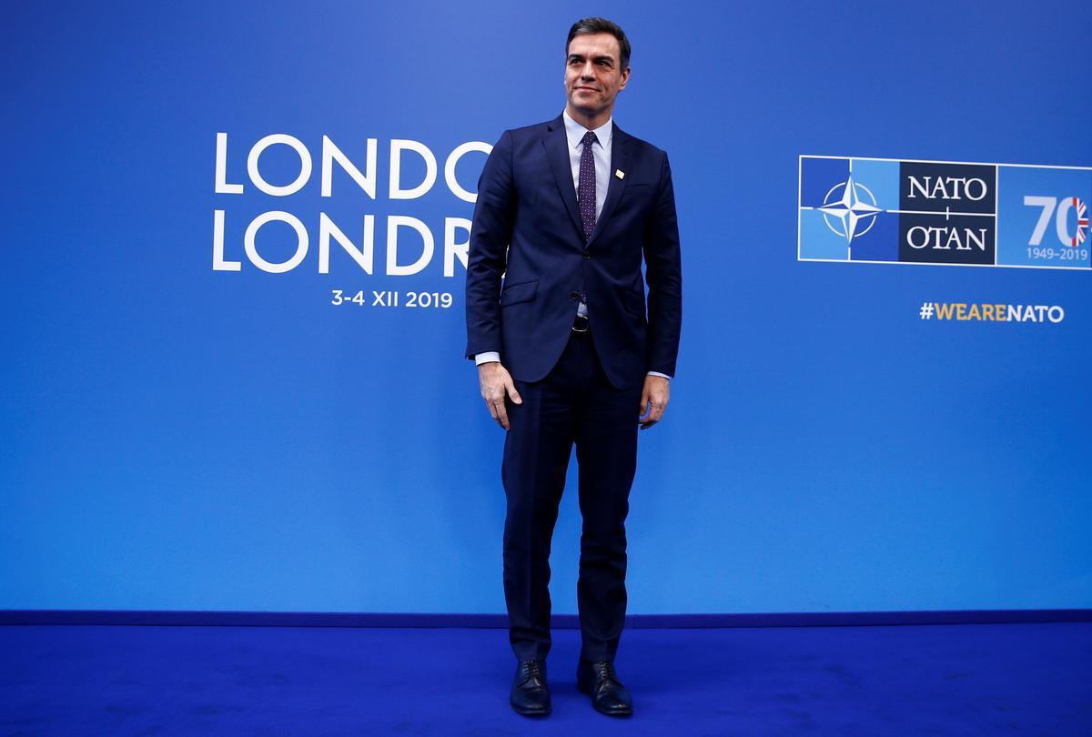 Spain's Sanchez accepts mandate to form government amid fragmented parliament