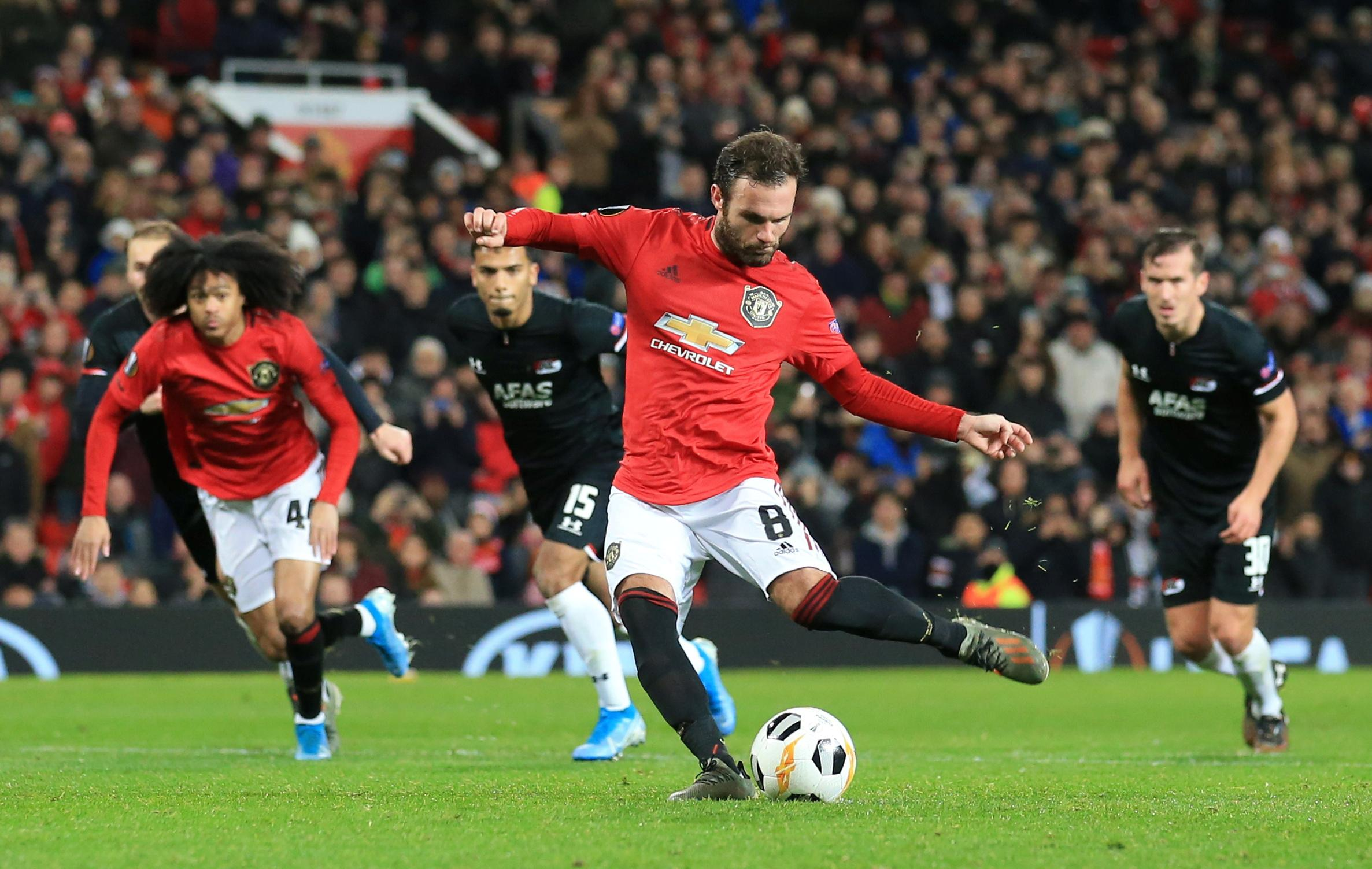 Man United thrash AZ, Basaksehir dump Moenchengladbach out of...