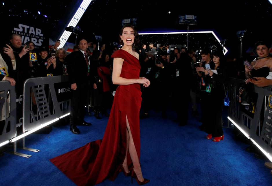Hollywood Cheers Rise Of Skywalker At Film S World Premiere Reuters