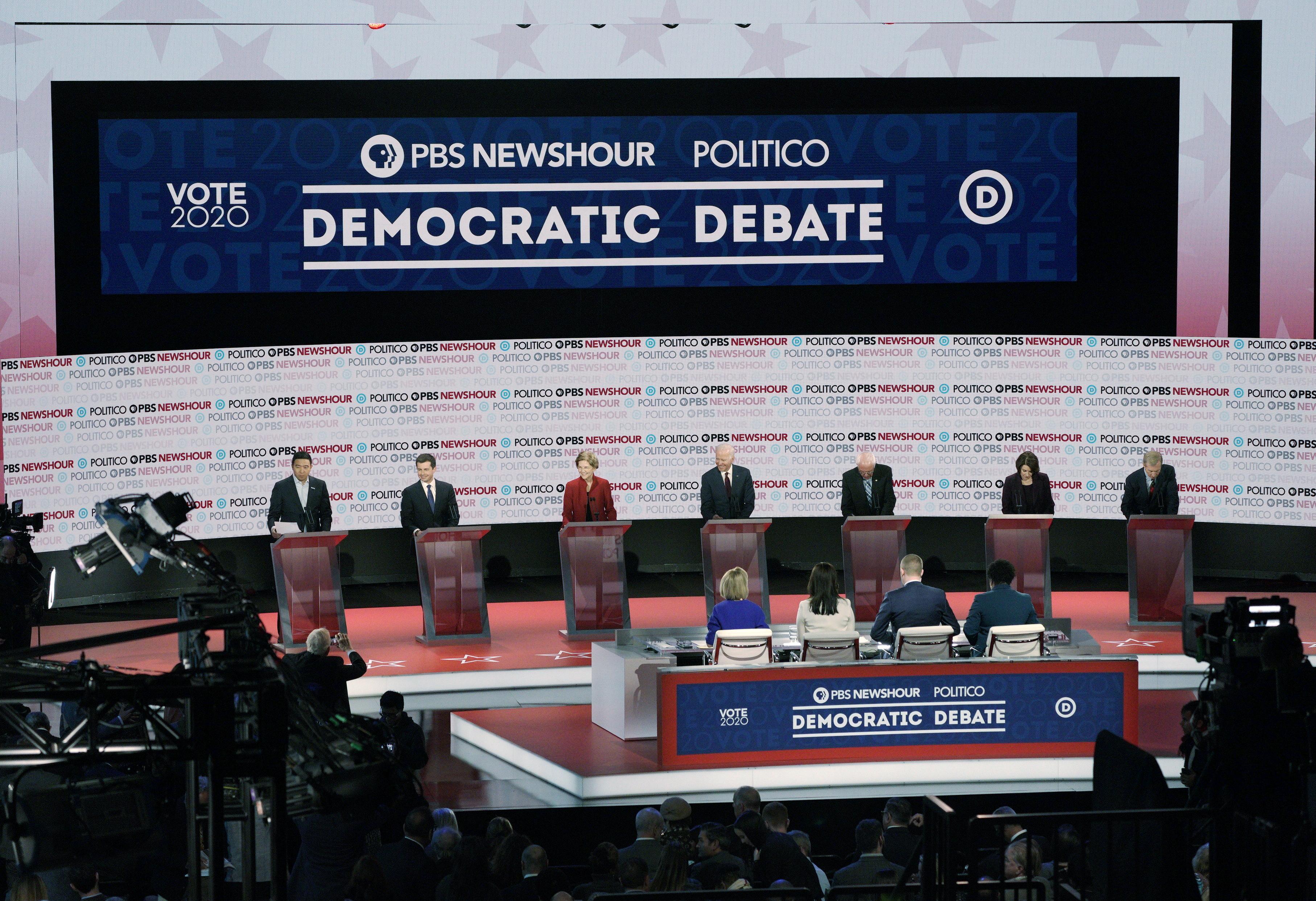 Buttigieg et Warren s'affrontent sur la collecte de fonds dans le débat présidentiel démocrate