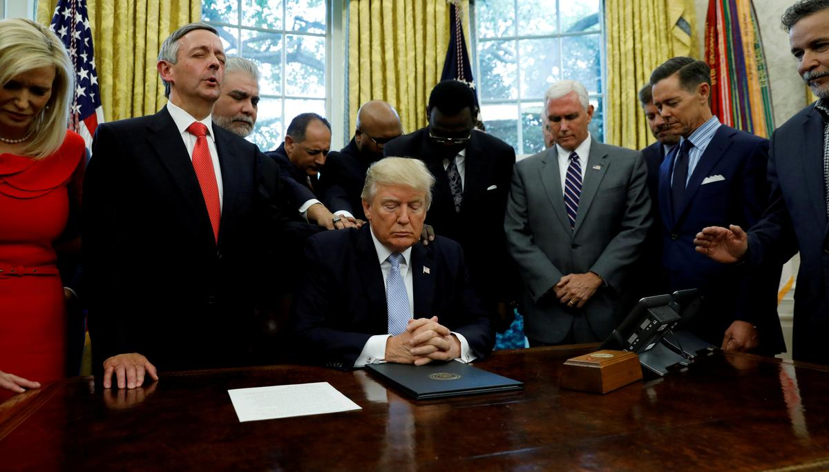 Pew Poll Finds Only 15 Percent of White Evangelicals Believe 'Morally Upstanding' Describes Trump 'Very Well'