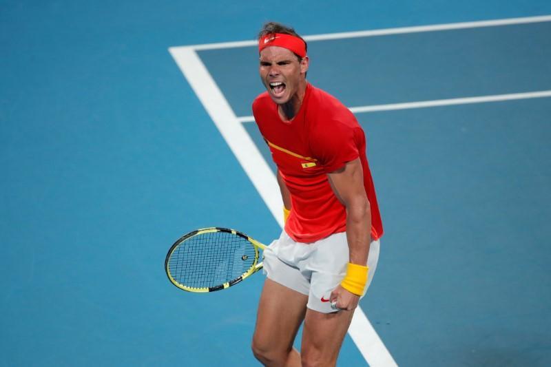L'Espagnol Nadal remporte sa victoire pour organiser la finale de la Coupe ATP contre la Serbie dirigée par Djokovic