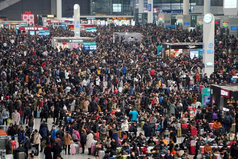 Virus casts shadow over China's biggest festival, but little worry...