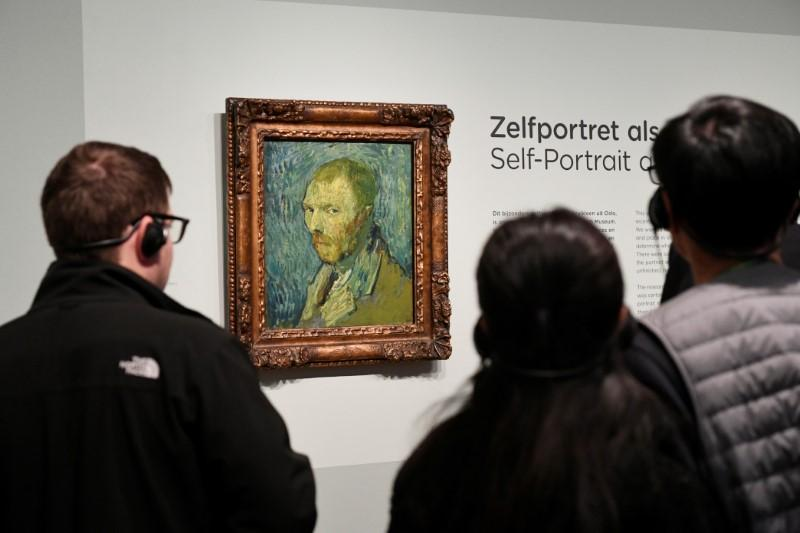 Disputed Van Gogh self-portrait is genuine, Dutch research finds