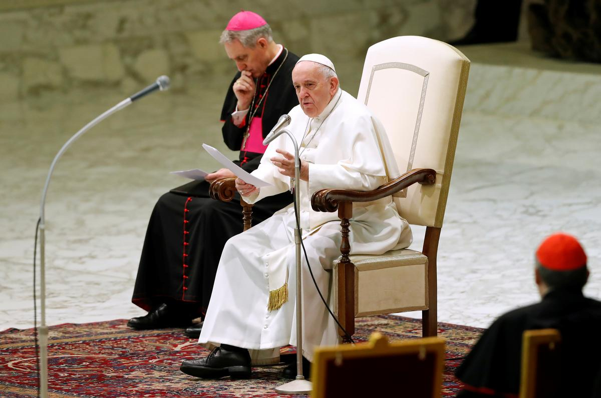 Pope condemns 'barbaric resurgence' of anti-Semitism