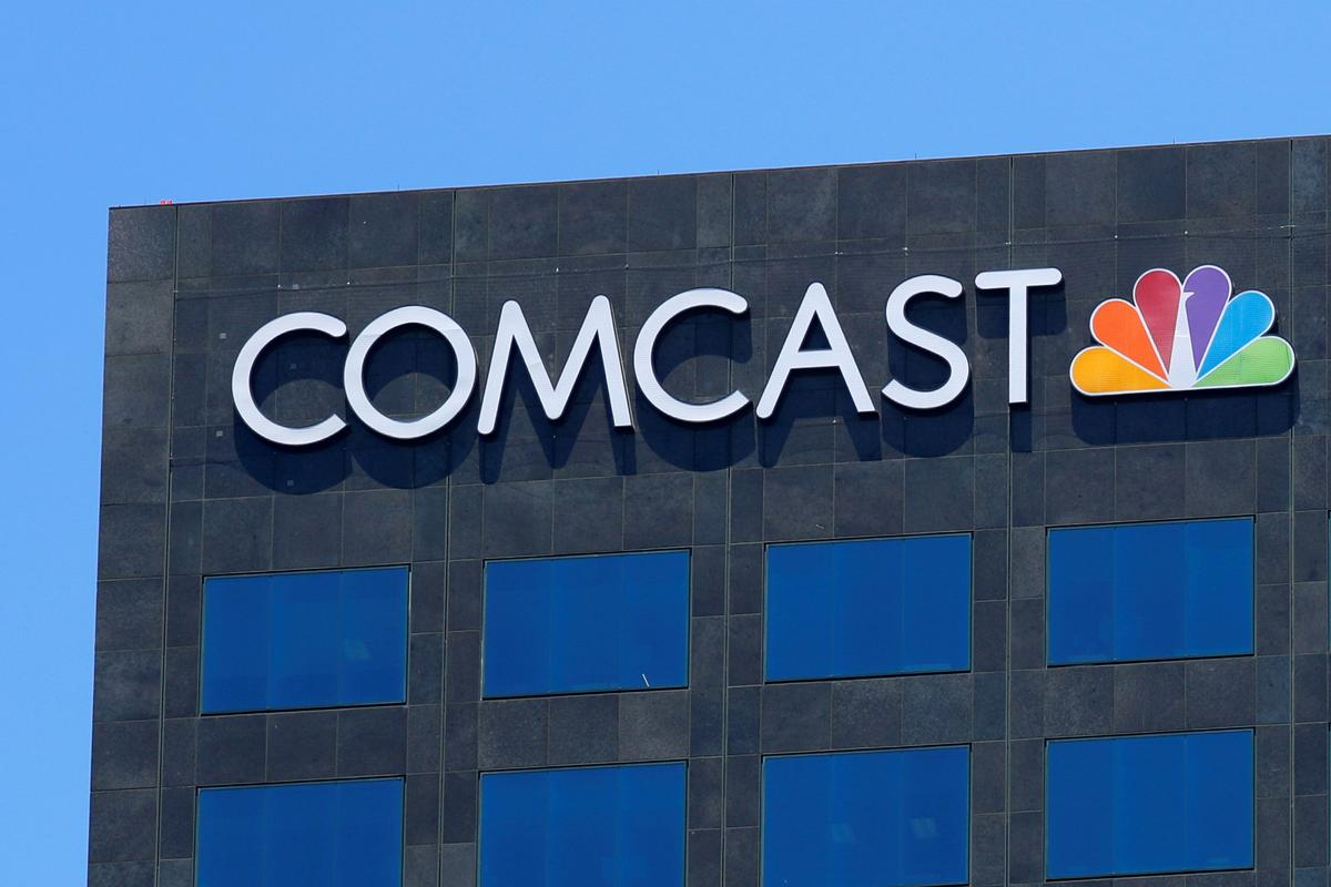 Comcast results beat forecasts on broadband growth; 'Cats' hits NBC...