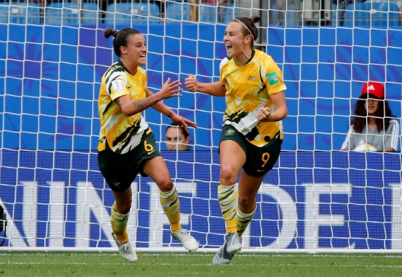 Bristol City Women sign Australia midfielder Logarzo