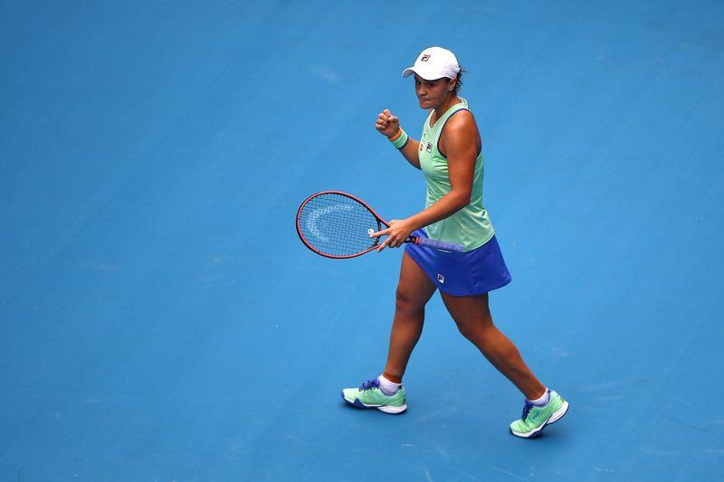 Barty on a roll, moves into fourth round