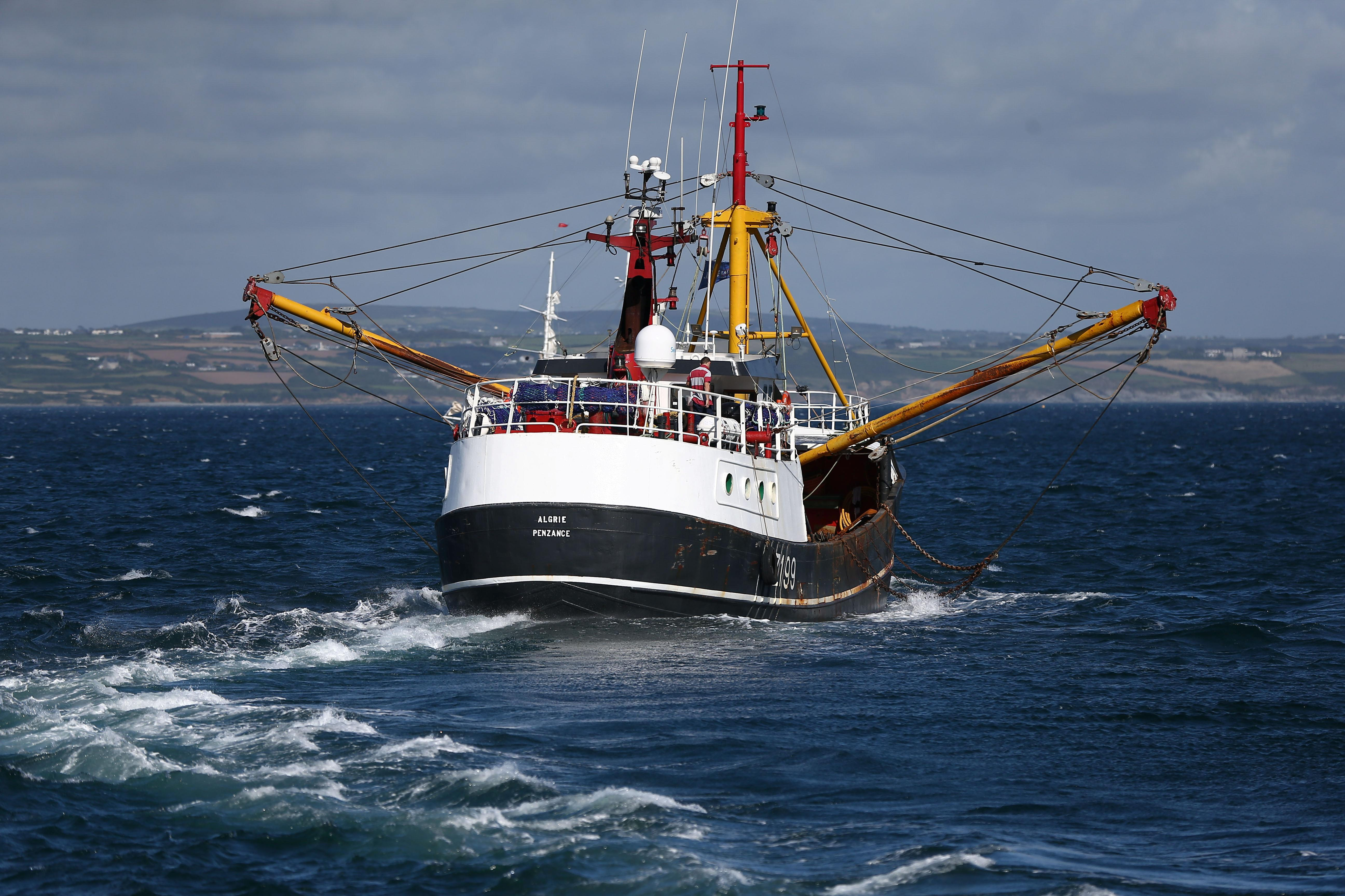 Britain to introduce bill to end automatic EU fishing rights in UK...