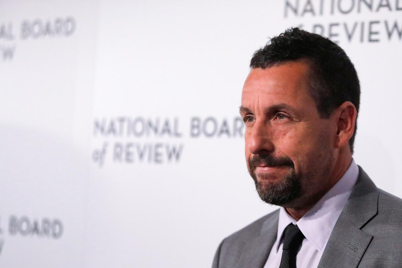 Adam Sandler To Make Four New Movies For Netflix Reuters
