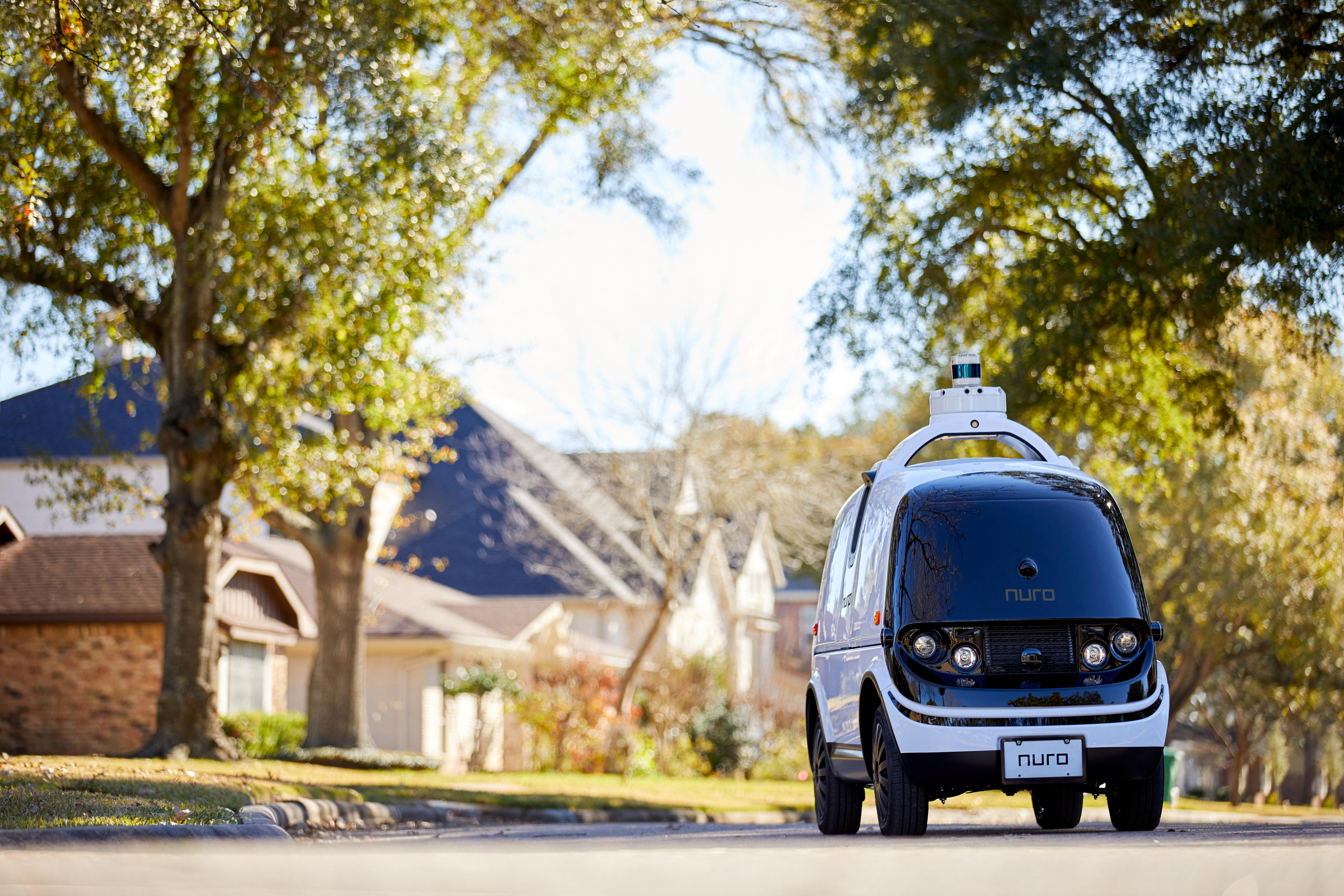 Pizza-toting robots: U.S. lets Nuro deploy driverless delivery vehicles