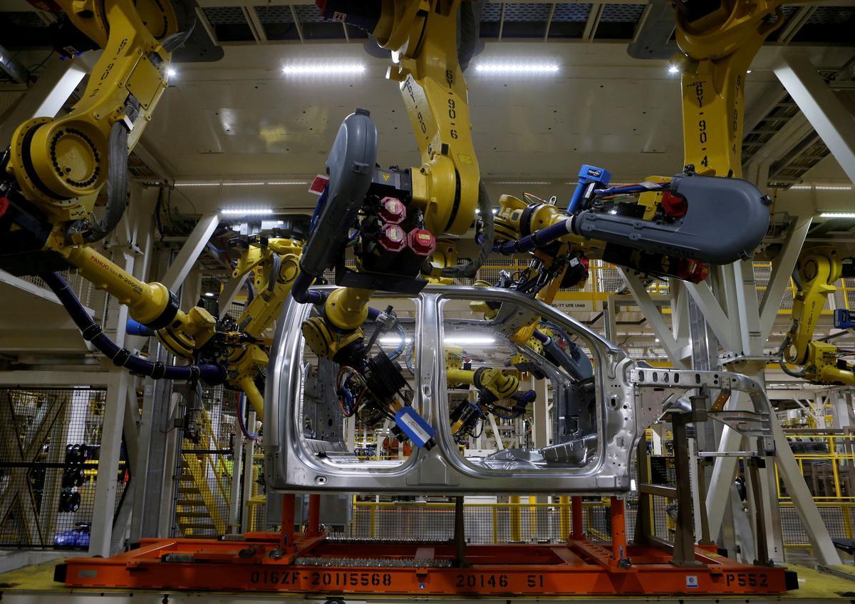 U.S. companies cut back on installing robots in 2019