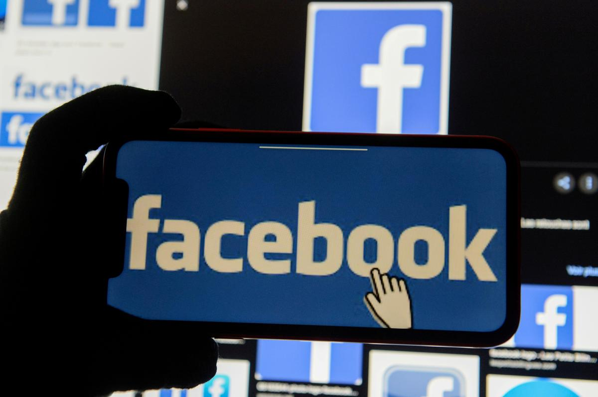 Facebook allows political candidates to run branded content