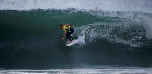 FILE PHOTO: John John Florence of Hawaii surfs during the final of World Surf League's (WSL) championship at Supertubo beach in Peniche, Portugal October 25, 2016. REUTERS/Rafael Marchante/File Photo
