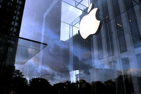 UPDATE 5-Apple warns sales to fall short of target due to coronavirus impact