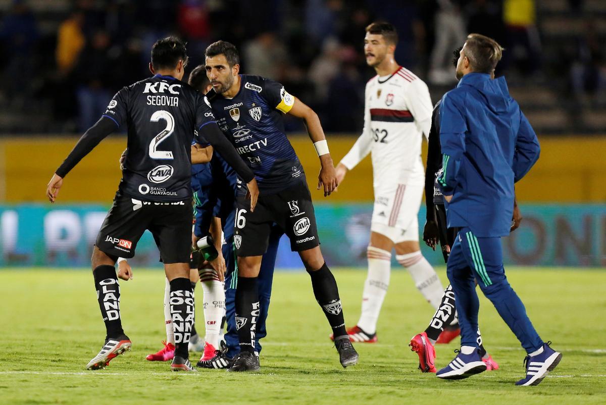 Soccer: Ecuador's Independiente hold Flamengo in 'Supercup' first leg
