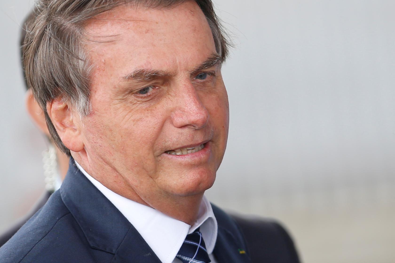 Resultado de imagem para Bolsonaro quer que Congresso vote excludente de ilicitude em GLO